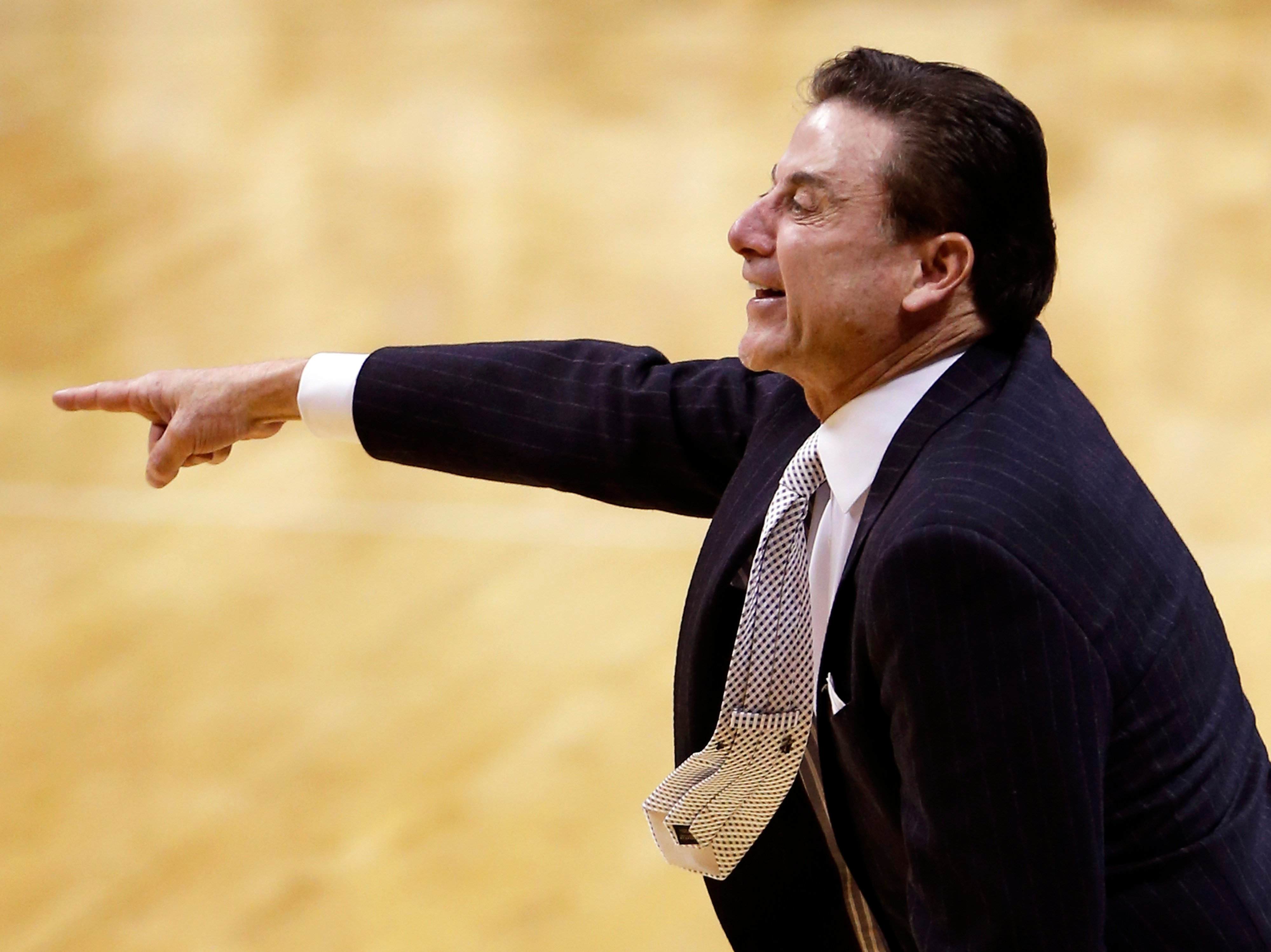 Pitino responds to Calipari's comments