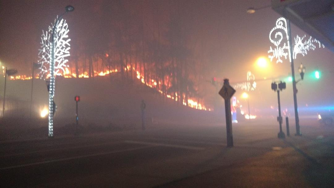Fires force evacuations in Gatlinburg, TN; 100 homes affected in blaze