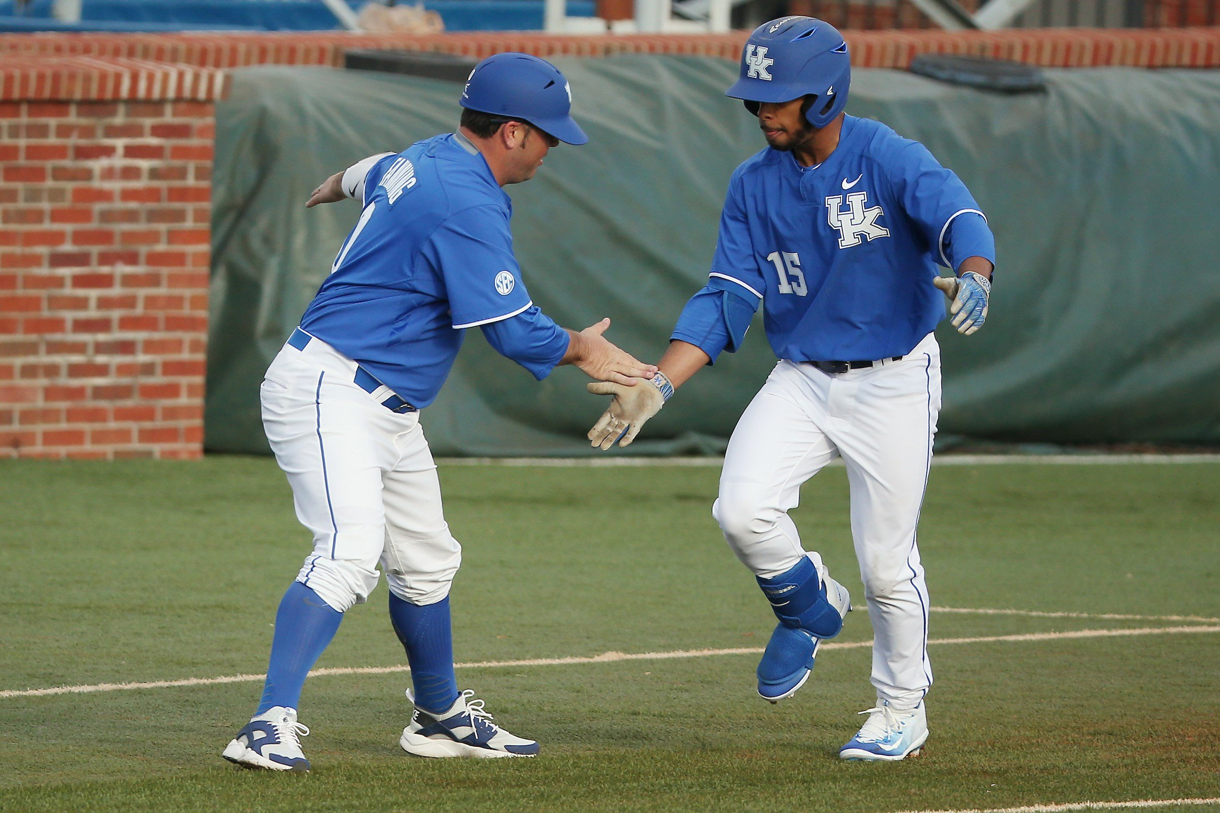 Barnhill's No-Hitter Spoils Kentucky's Solid Pitching Performance