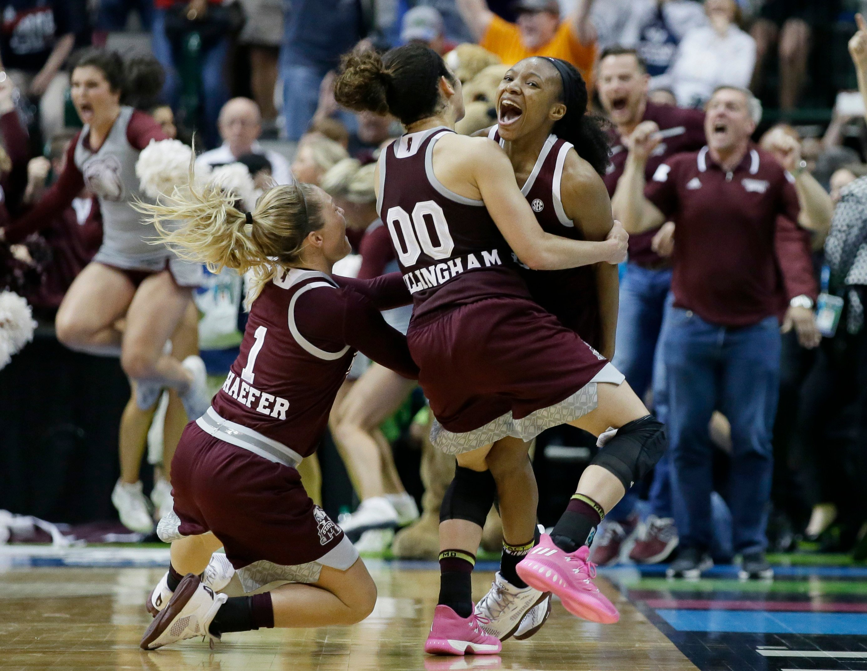 Mississippi St shocks UConn in Final Four
