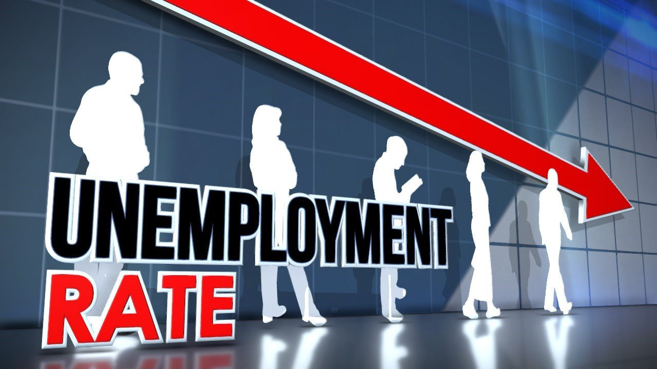 China's unemployment rate falls below 4% at end of Q1