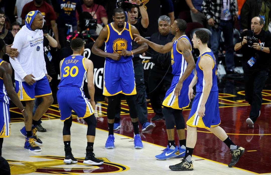 Durant's shot sends ideal Warriors over Cavs in Finals