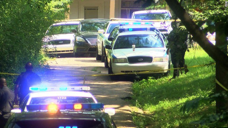 Severed head, headless body found in same Mississippi neighborho