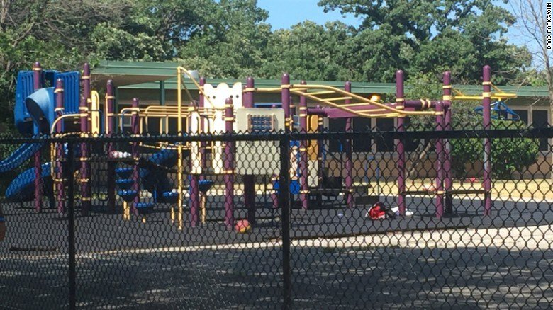 2 children shot, injured on Chicago school playground