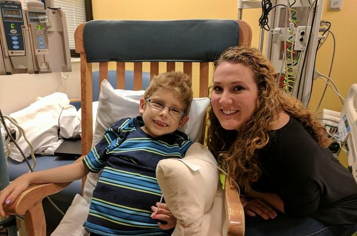 Champions of Change - Seven-year-old Logan, who was diagnosed with PKD five years ago, received a kidney from UK nursing student Karly Schmidt.