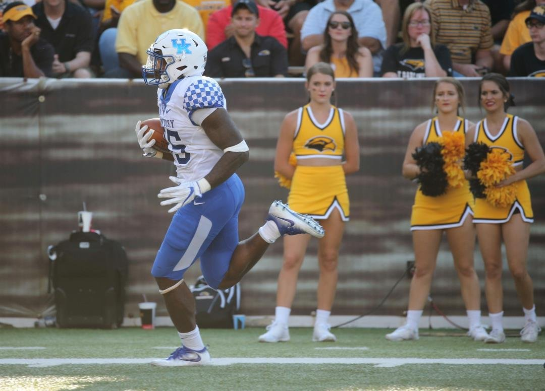 Star Kentucky DE/OLB Denzil Ware suspended for Music City Bowl