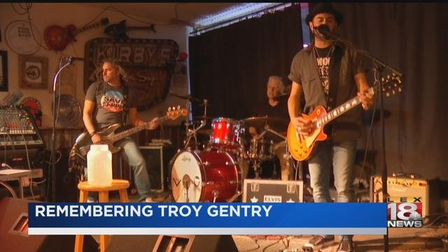 Questions over helicopter pilot's hovering in crash that killed Troy Gentry