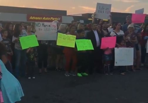 Wednesday night, a rally was held in the parking lot of Fiesta Mexico to show support for the restaurants, their employees, and the families of the employees.