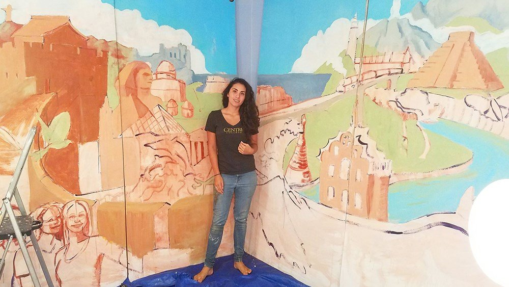Isabelle Ballard '16 paints Centre's study abroad experience