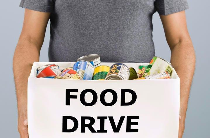 Students Organize Thanksgivin' Fixin' Food Drive