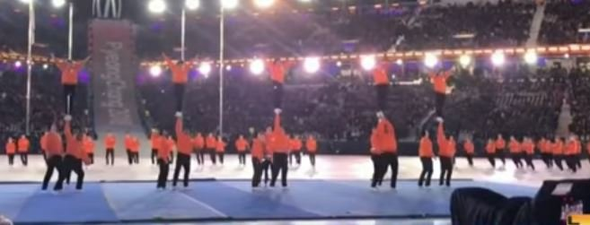 UK cheerleaders participated in last night's closing ceremony