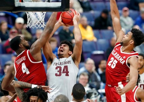 SEC Tournament: Auburn's Bruce Pearl loses his cool with Alabama strength coach