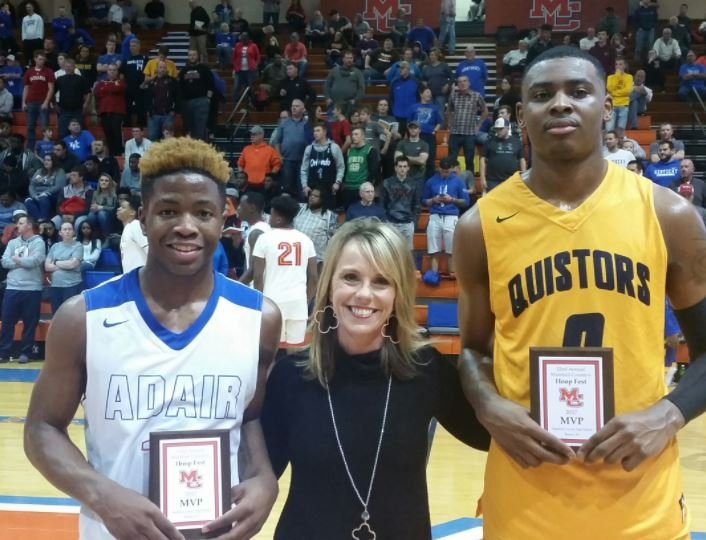 Zion Harmon, left, and D.J. Jeffries shared MVP honors at Marshall County Hoopfest in December. This summer they will be AAU teammates. (Larry Vaught Photo)