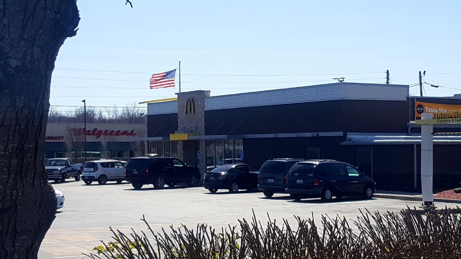 McDonald's food handler in Central Kentucky has hepatitis, health agency warns