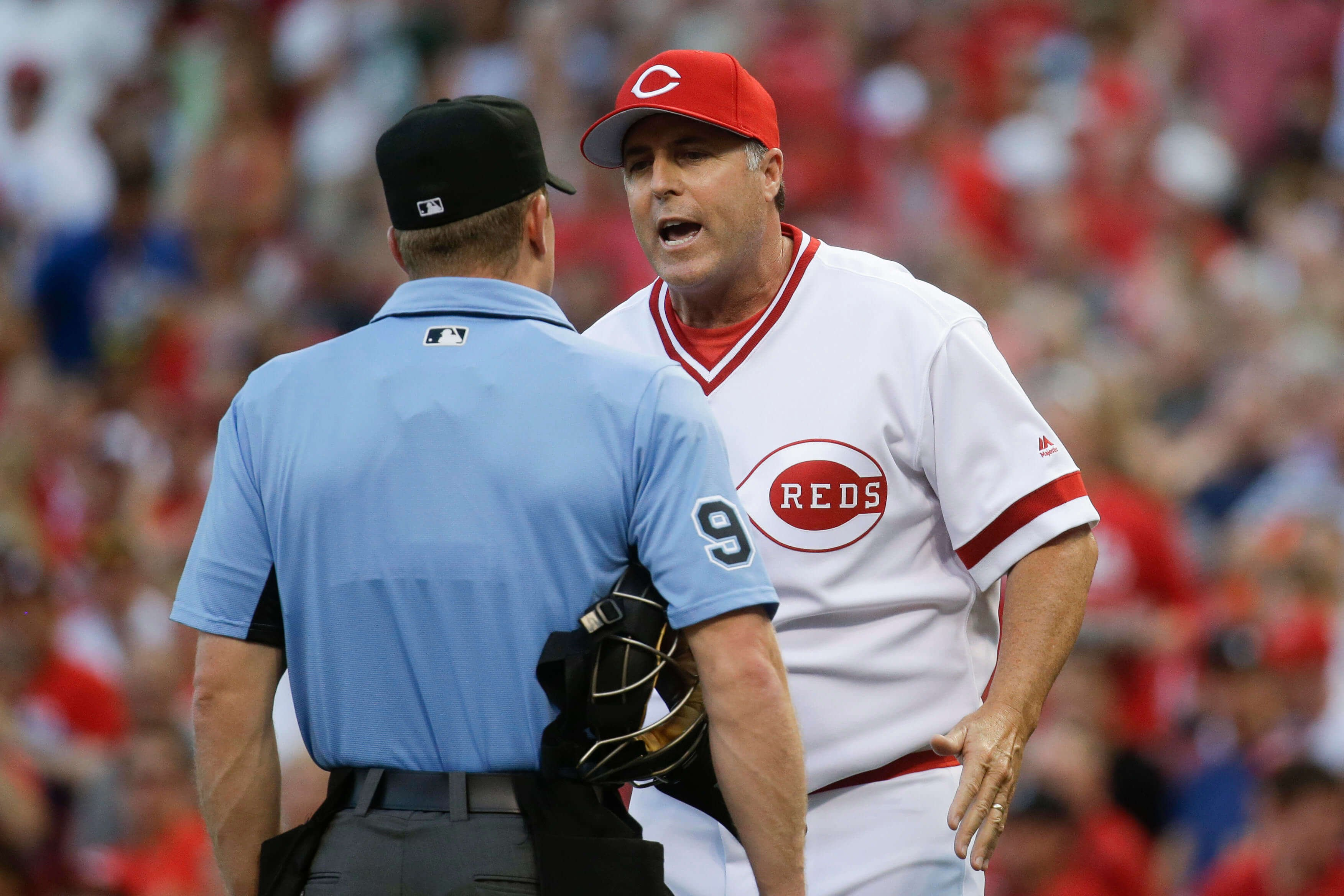 With baseball's worst record, Cincinnati Reds fire manager Bryan Price
