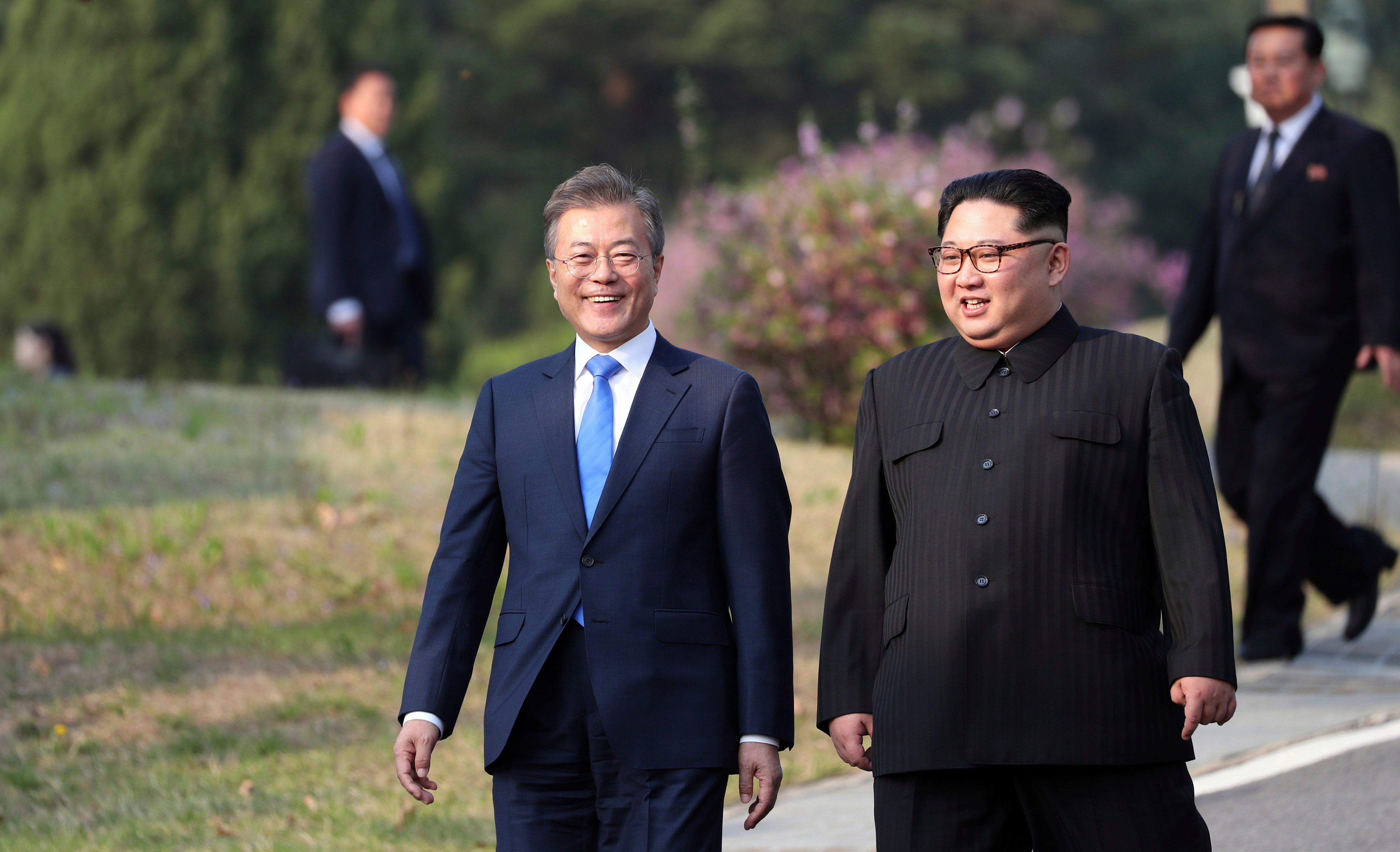 The giddy excitement of North and South Korea's historic summit, in photos