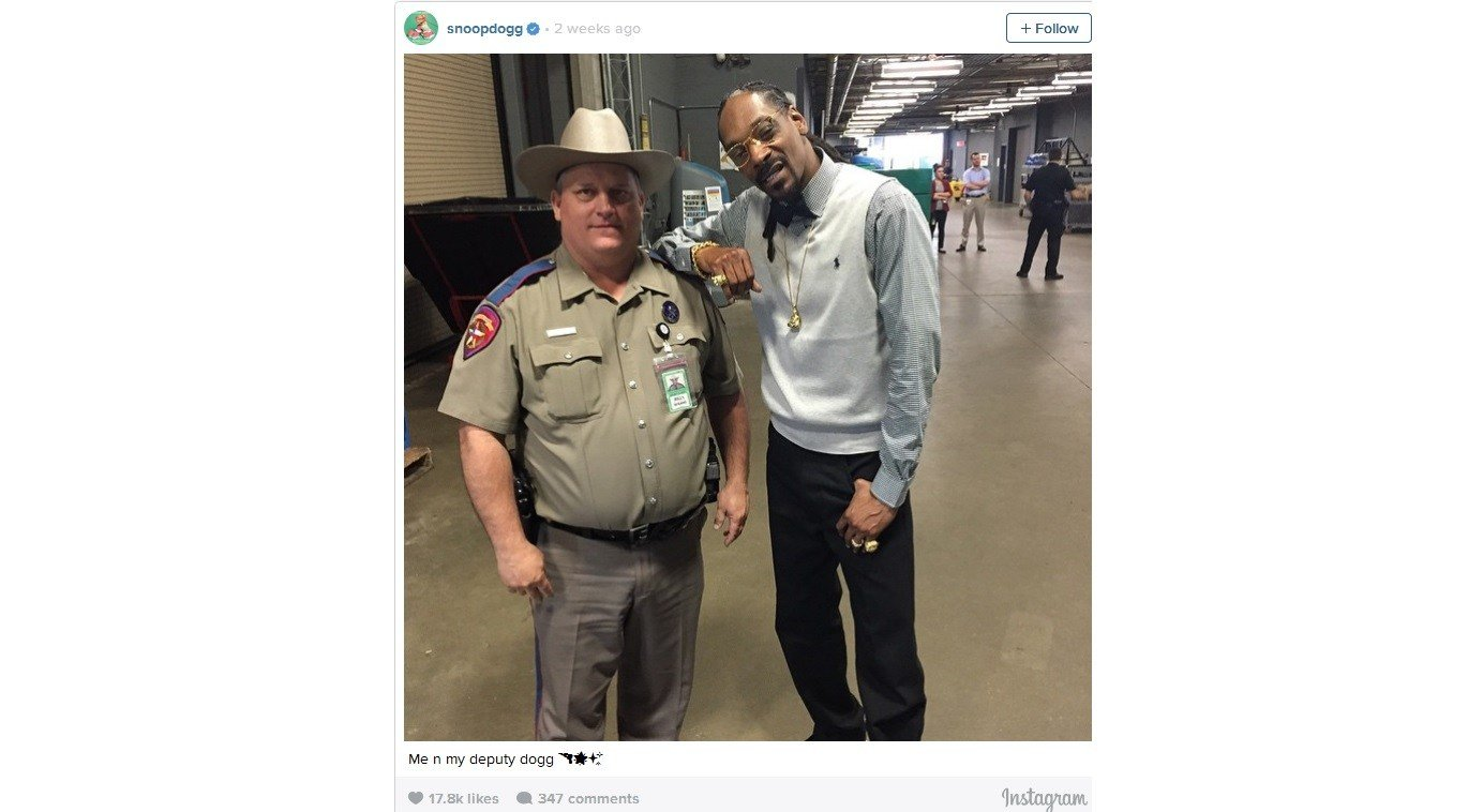 Texas trooper cited for snoop dogg photo at austin for Lost texas fishing license